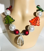 Christmas Necklace, Christmas Jewelry, Gaudy Christmas Necklace, Big Christmas Necklace, Large Christmas Necklace, Cheap Christmas Jewelry, Red Green Jewelry, Green Red Necklace, Oversized Necklace